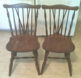 Vintage SET OF 2 FAN BACK EARLY AMERICAN MAPLE WINDSOR SIDE CHAIRS