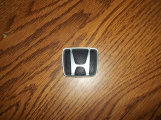 1990   1993 OEM HONDA ACCORD 4 DOOR SEDAN STEERING WHEEL EMBLEM