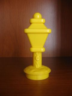 FISHER PRICE LITTLE PEOPLE LAMP POST STREET SWEET SOUNDS YELLOW