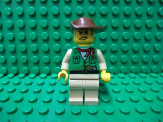 JOHNNY THUNDER LEGO ADVENTURERS FIGURE   GREEN TORSO ORIENT EXPIDITION