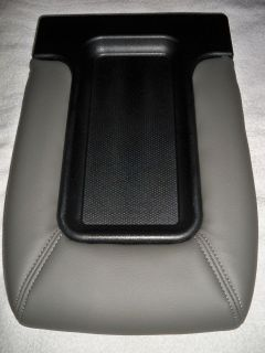 SILVERADO SIERRA CENTER CONSOLE LID STORAGE ARM REST LIGHT PEWTER GREY