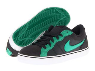 Nike Action Kids Isolate LR (Youth) $42.99 $48.00
