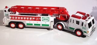 Hess Toy Truck 2000 Fire Engine with Lights Sound