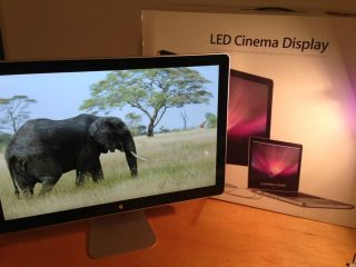 Apple LED Cinema Display 24 inch LCD Monitor in Superb Condition with