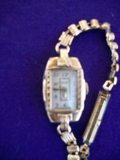 Antique Art Deco Bulova Ladies Wind Up Watch