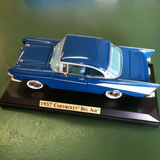 1957 Chevy Bel Air Hard Top 1 24 Scale Metal Diecast Blue Teal Mounted