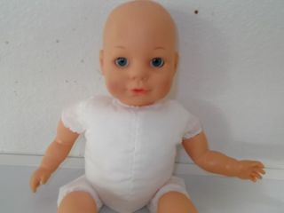 CITITOY 2001 RUBBER & CLOTH BABY DOLL   BIG BLUE EYES   ADORABLE