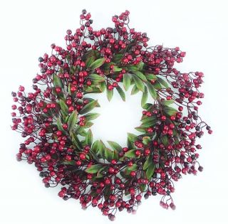 FESTIVE RED BERRY AND HOLLY LEAVES ARTIFICIAL CHRISTMAS WREATH   UNLIT
