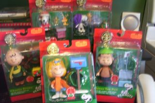 Complete Set Peanuts Christmas Figurines Snoopy Friends
