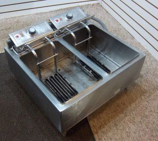 Wells Commercial Countertop Double Deep Fryer Model F 67 Restaurant 3
