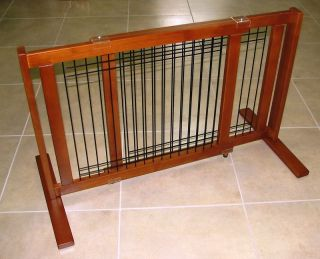 Freestanding Pet Dog Gate Expanding Wood Wire Pet Gate