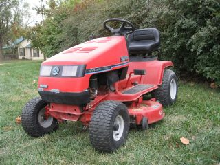 Rebuilt 38 inch, 14hp Snapper Hydro Lawn Tractor, riding mower garden