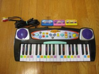 Fisher Price I Can Play Piano System J7522 3 Cartridges Barbie Holiday