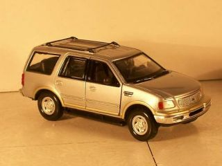 2000 Ford Expedition Diecast Car Die Cast Truck