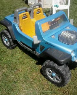Fisher price power wheels JEEP HURRICANE 12 volt battery ride on PICK