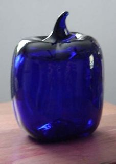 Levay Gary W Levi Intaglio Designs Cobalt Blue Art Glass Bell Pepper