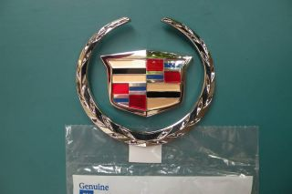 2002 2003 2004 Cadillac Escalade Ext Grill Emblem New in The Package