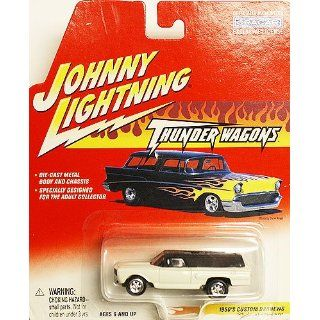 Johnny Lightning Thunder Wagons 1950s Custom Badnew a Tom