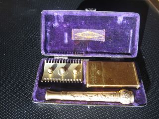 Vtg King Gillette Pocket Edition Safety Razor w Blade and Case