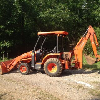 Kubota L39 Loader Backhoe Tractor