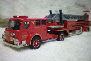 Corgi American La France Tiller Ladder Fire Truck Boston FD Ladder 20