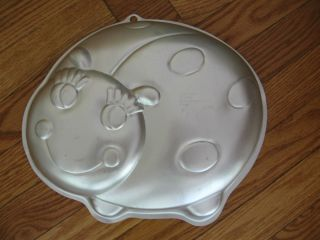 Wilton Ladybug Bumble Bee Cake Pan 2105 3316  Dated 2005