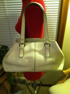 Auth Cole Haan Gorgeous Off White Pebbled Super Soft Leather Purse Bag