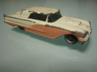 Matchbox Lesney England No 75 Ford Thunderbird w Gray Wheels