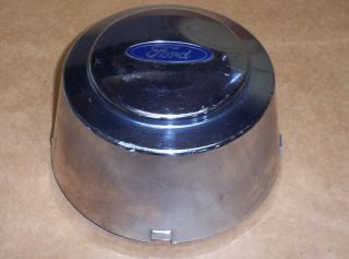 94 97 Ford F350 Dually Rear Wheel Center Cap Hubcap