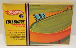 MATTEL HOT WHEELS REDLINE 1967 FULL CURVE ACCESSORY PAK 180 BANKED